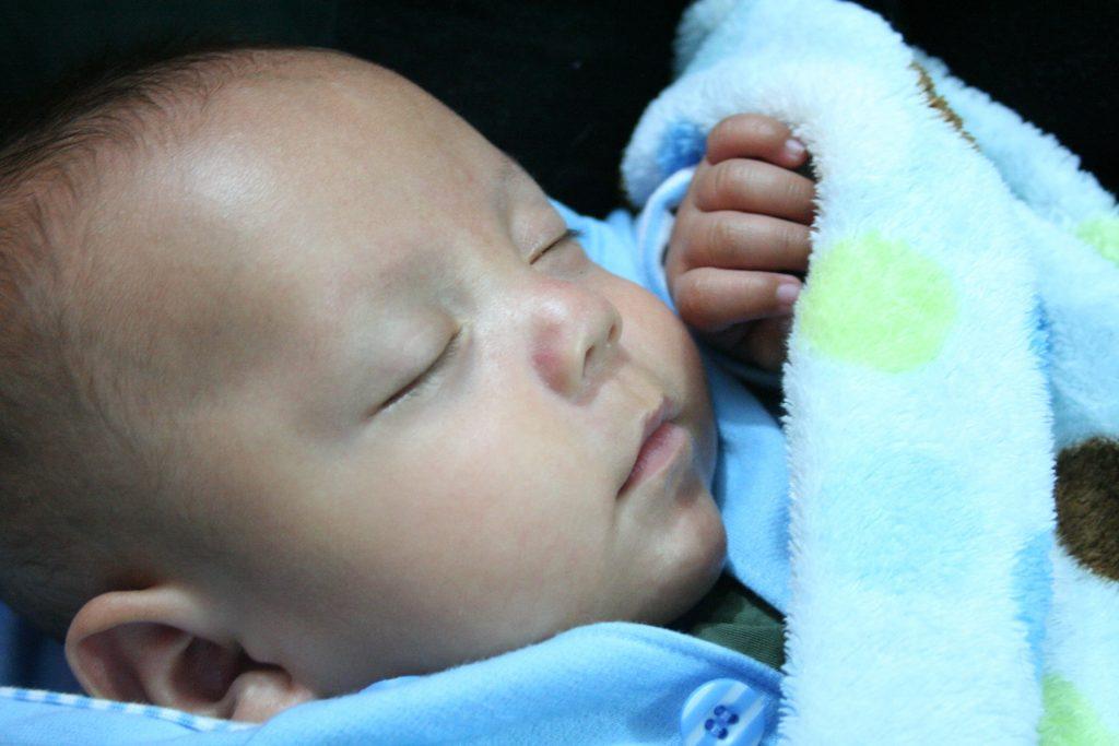 comment habiller bebe pour dormir
