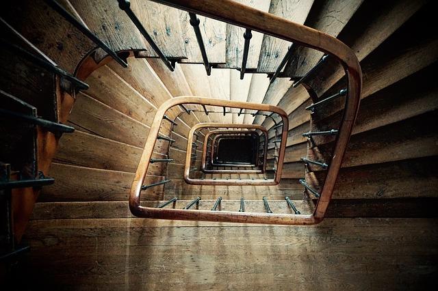 Relooker un escalier en bois : Comment peindre un escalier?